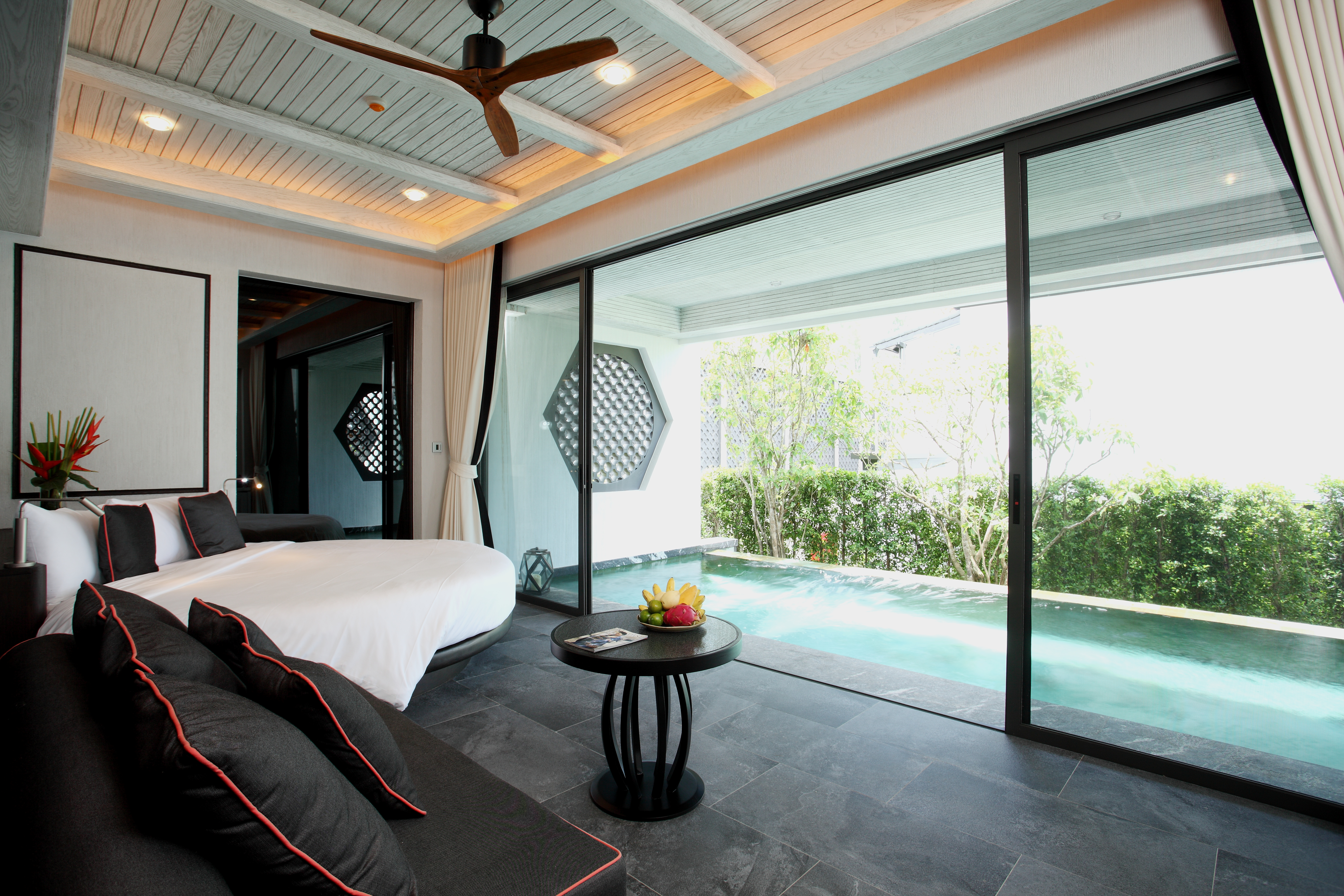 03. Baba Pool Suite